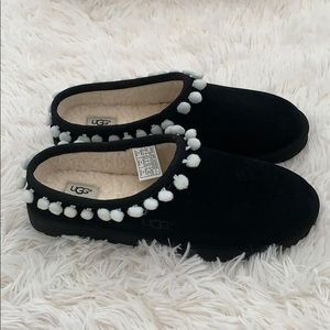 UGG Darah pompom trim lined suede black slipper